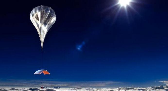 Balonul si turistii din spatiu