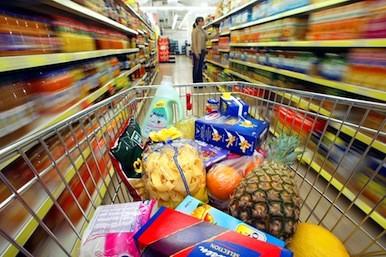 Manipulati sa cumparam din supermarket