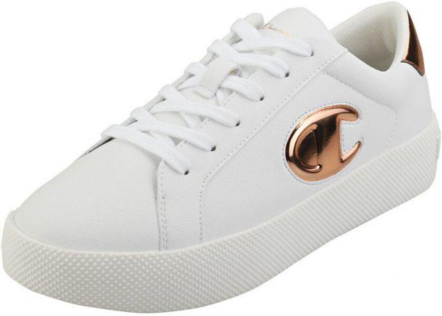 Pe un loc fruntas in topul celor la moda, doar cu sneakersii de dama marca Champion