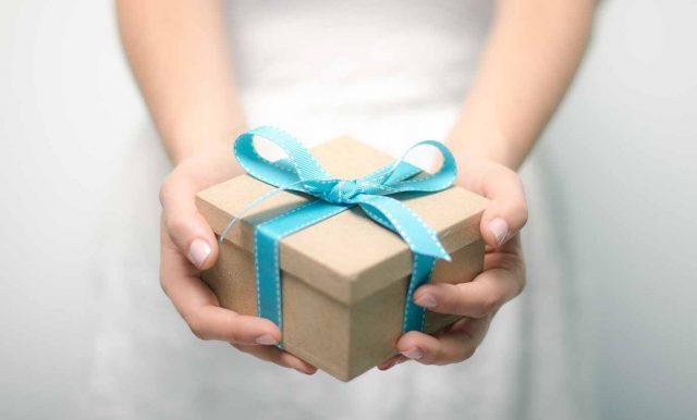 Idei de cadouri pentru cei veniti din strainatate